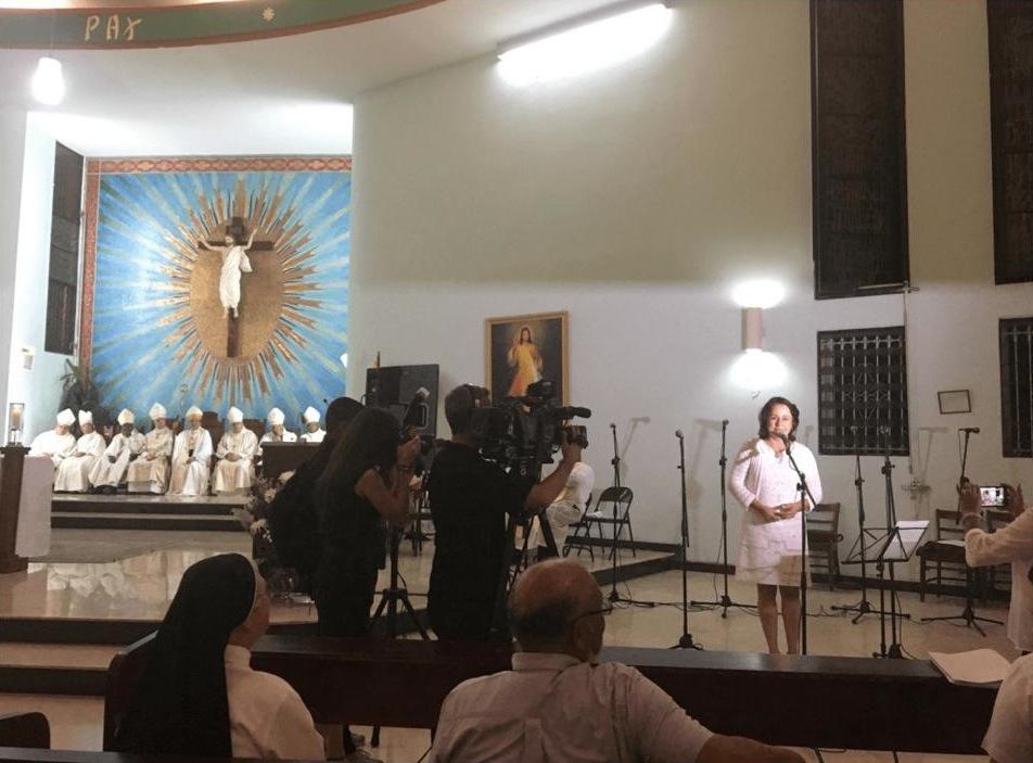 WAF-Hymne von Panama, Autorin Chely Boyd und die Bischöfe Panamas